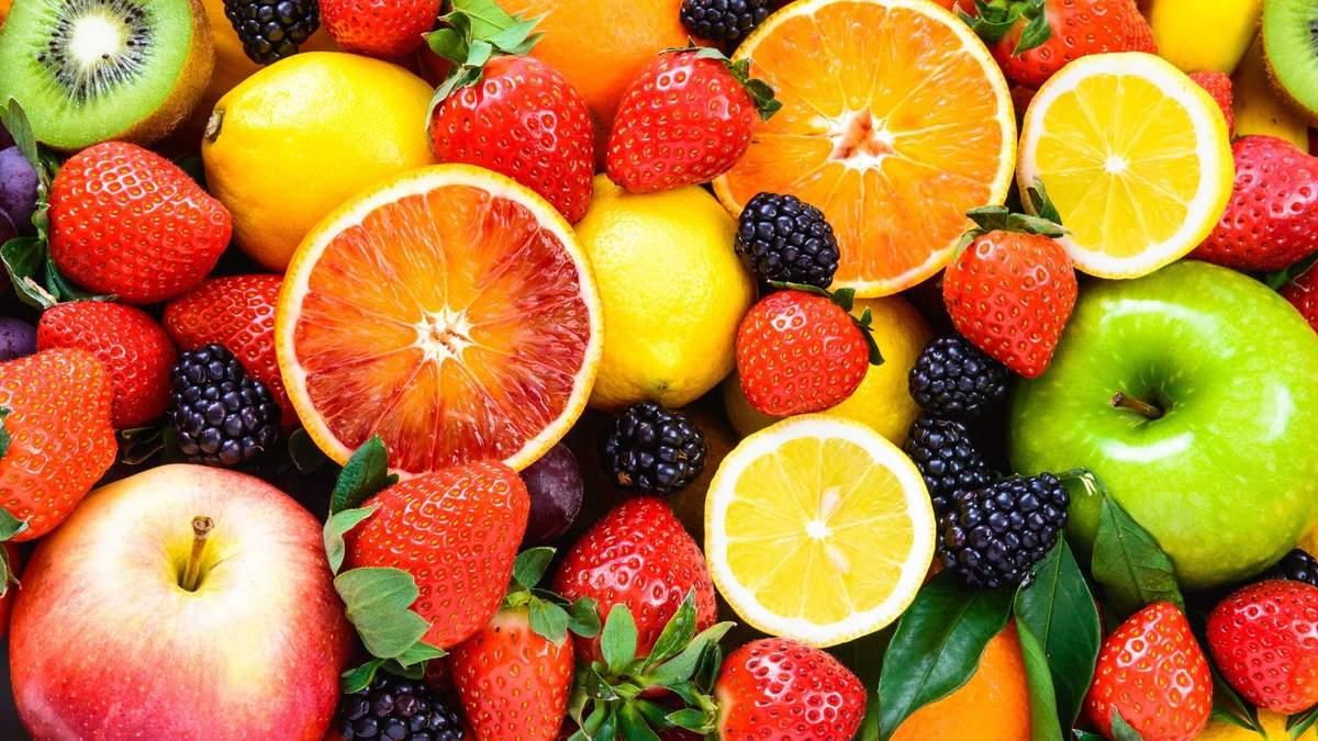 Ціни в Україні: ягоди і фрукти на початку червня 2020 подорожчали