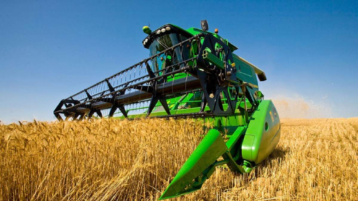 Украинским аграриям помогают приобретать технику
