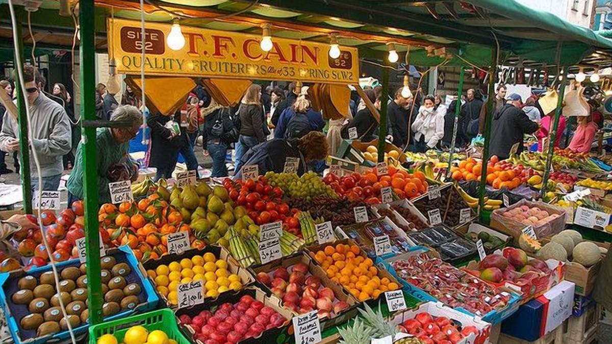 Фрукти і овочі до Великобританії доставляють лише літаками: винен новий штам коронавірусу