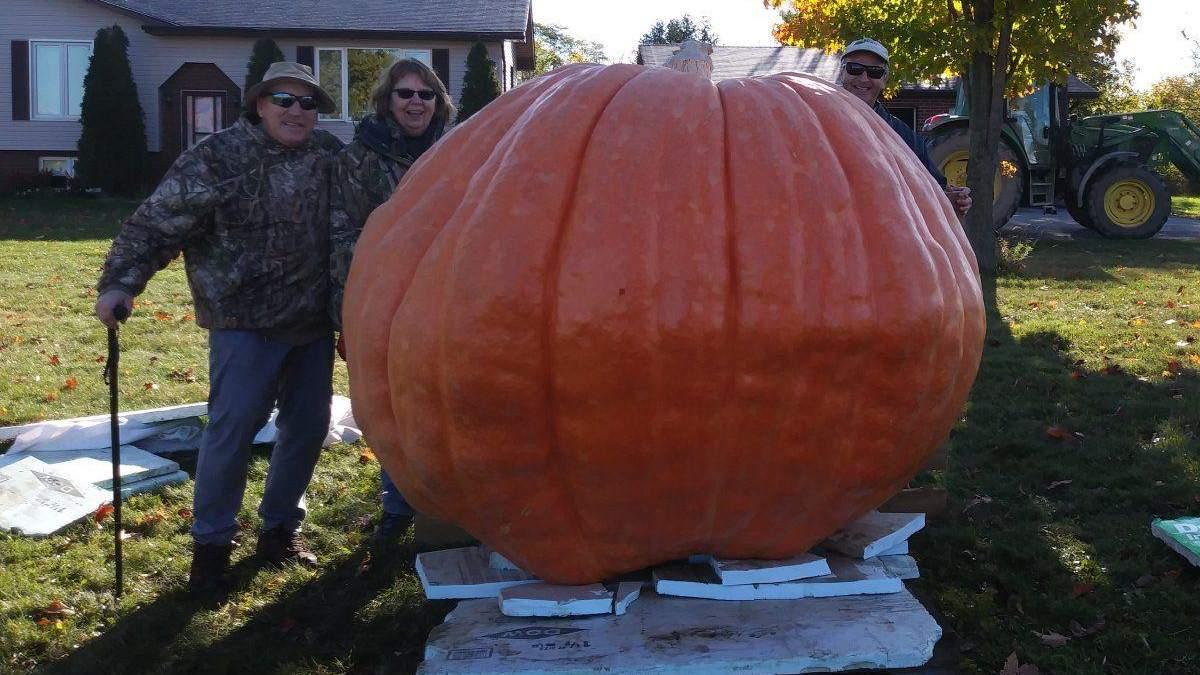 Чудо-овощ: американский фермер вырастил тыкву весом больше тонны
