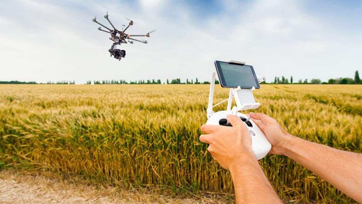 В США дроны делают растениям инъекции
