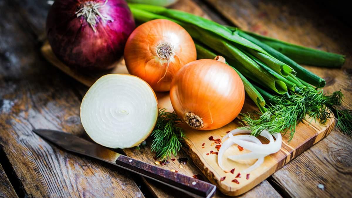 Цибуля сортотипу райнсбургер добре зберігається без холодильника / Фото з соцмереж