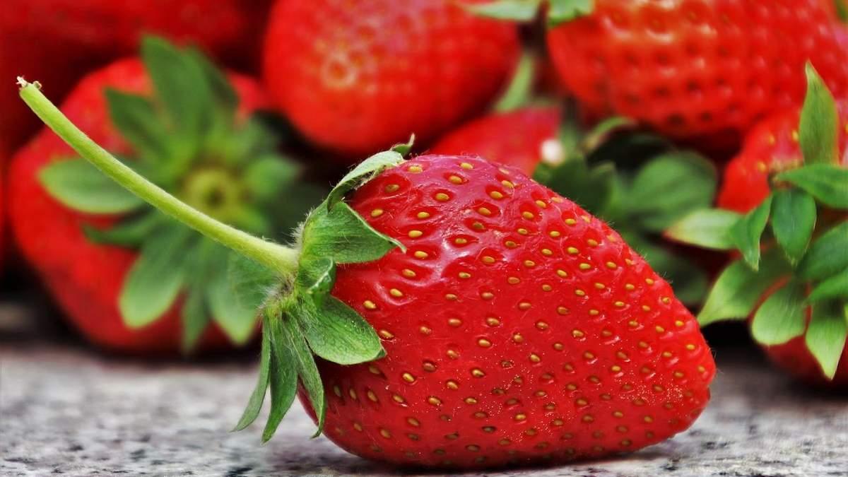 Свіжа полуниця вже доступна для покупців