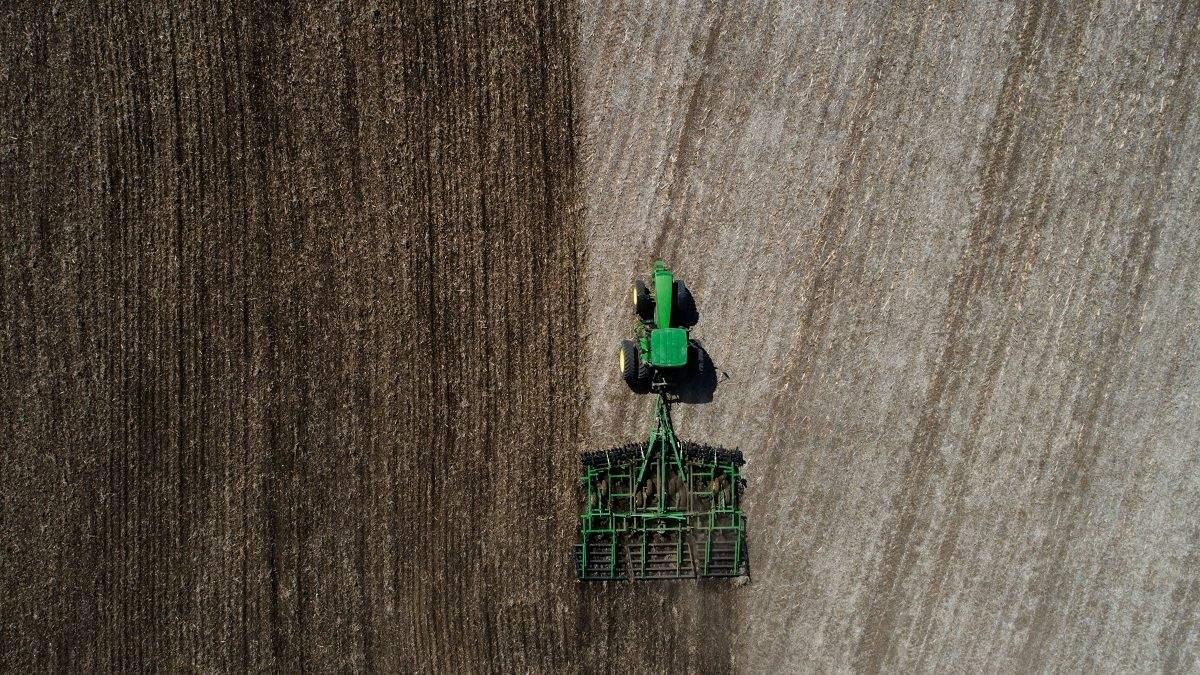 GPS та прогнозування врожаю: які технології аграрії отримали від космічної галузі