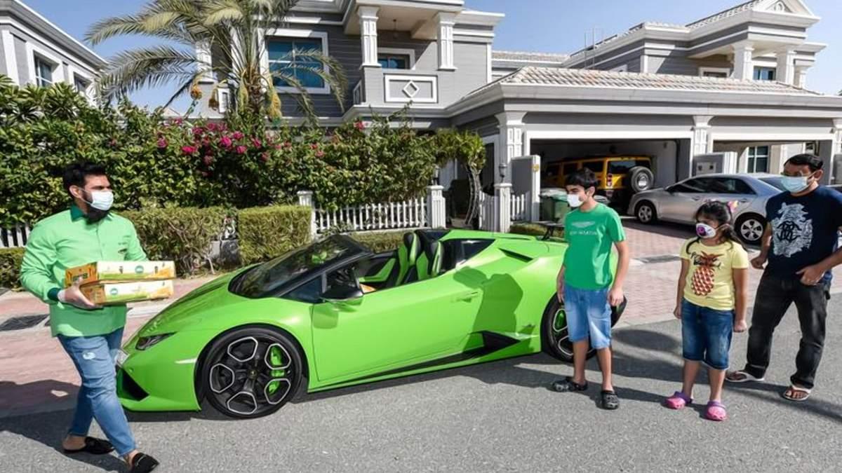 Манго на Lamborghini: в ОАЕ створили лакшері доставку фруктів
