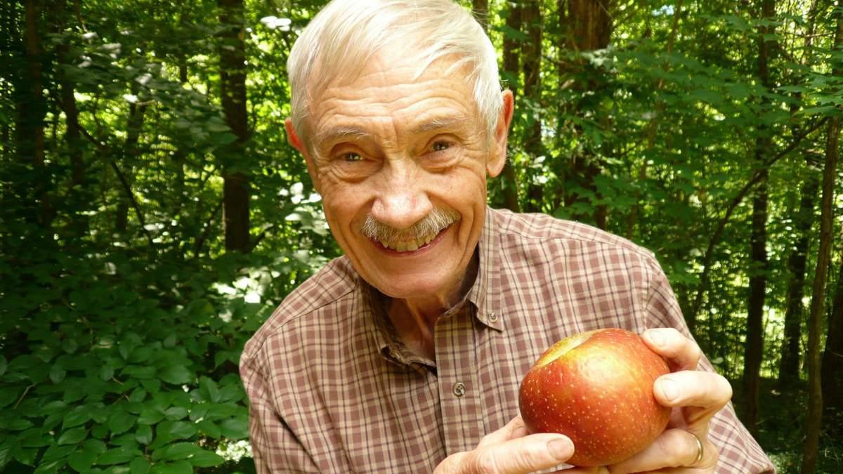 Пенсіонер зі США врятував від вимирання понад 1200 унікальних сортів яблук - Агро