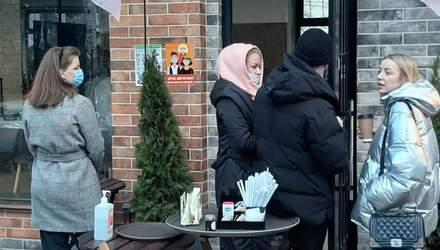 На дотримання карантинних норм: у Києві масово перевіряють офіси компаній – відео