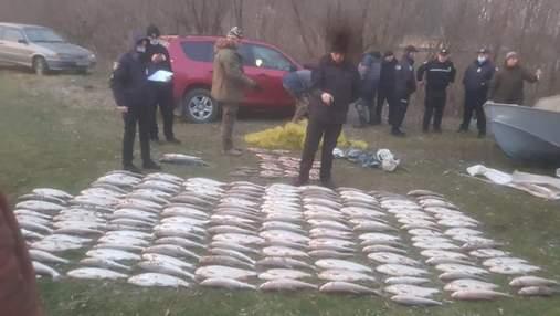 Збитків майже на 1,7 мільйона: на Буковині затримали 2 браконьєрів риби