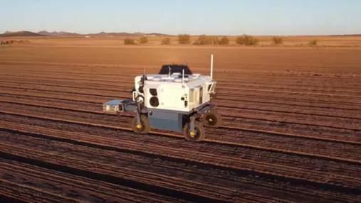 Враг сорняков: в США создали робота, который чистит поля от лишних растений