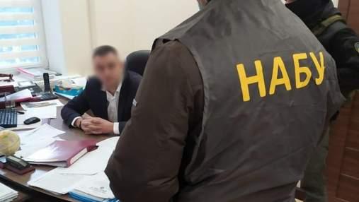Погоріли на хабарі: НАБУ скерувало до суду справу про спробу підкупу голови Держгеокадастру